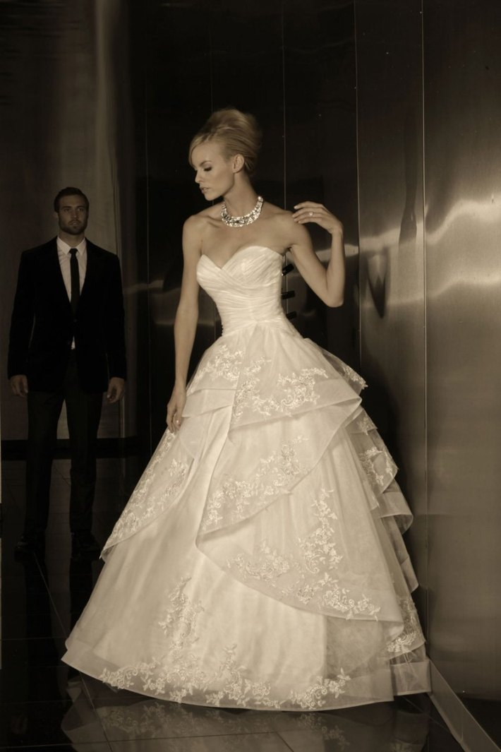 Simone Carvalli Trunk Show at Bella Bridal Gallery on February 15th and 16th!. Desktop Image