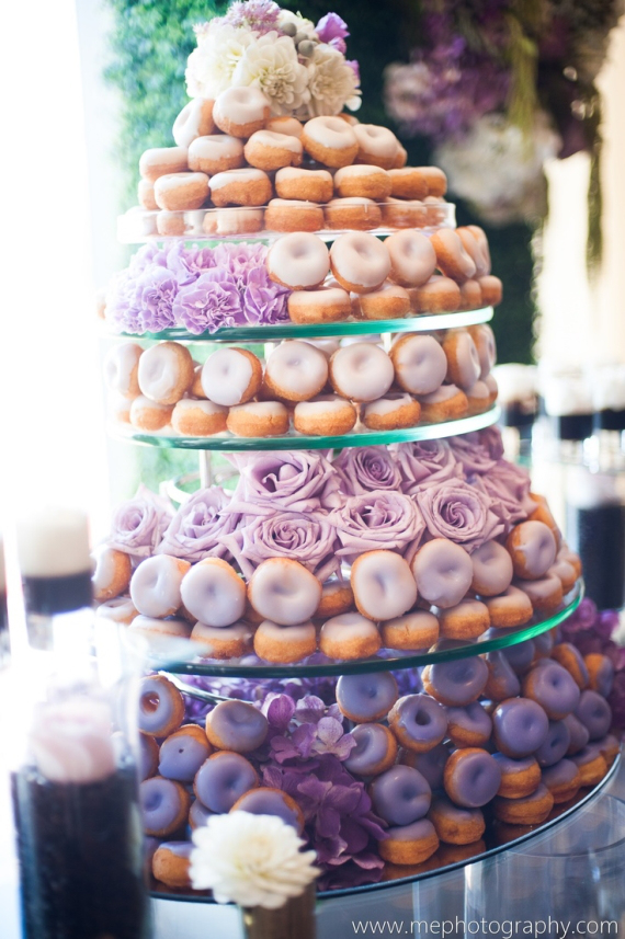the-ultimate-donut-wedding-cake